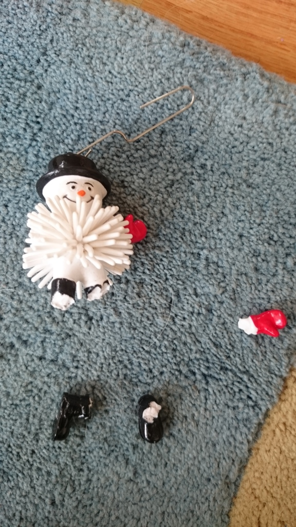 Snowman ornament chew toy